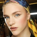 Модный показ Dolce&Gabanna, стрелки на глазах